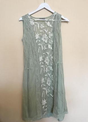Платье с вышивкой asos collections