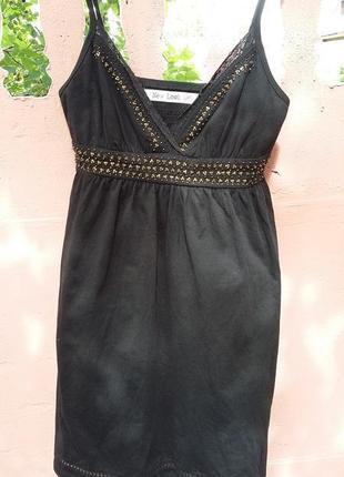 Маленькое черное платье с бисером
