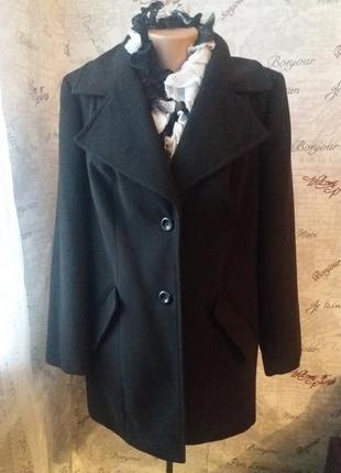 Черное пальто на осень 18/52 размер