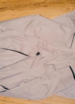 Очень  крутой  пиджак