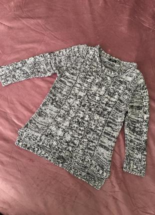 Серый свитерок