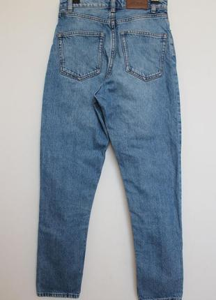 Monki джинсы бойфренд з котиками на коленях женские с высокой посадкой2