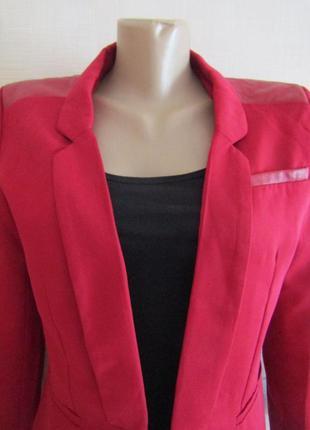 Пиджак с кожаными вставками 1+1=3 при покупке 2-х вещей третья в подарок