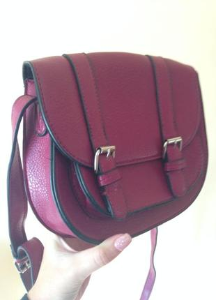 Неймовірного кольору сумка