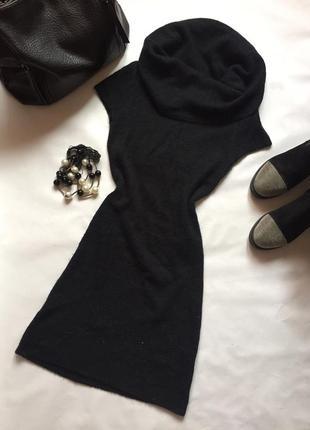 Теплое черное платье. воротник хомут