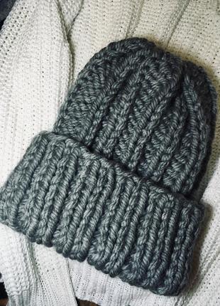 Прекрасная вязаная тёплая шапочка 💞