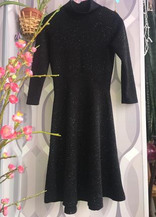 Красивое платье с блестками