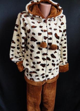 Махровая пижама на молнии и с капюшоном