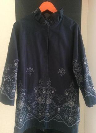 Пальто-пиджак тонкое с вышивкой эксклюзивное oversize