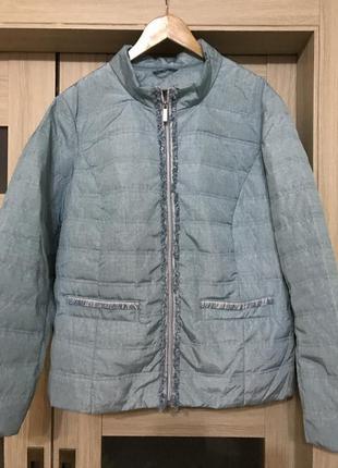Стильная куртка на тонком синтепоне