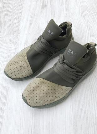 Кросівки arkk