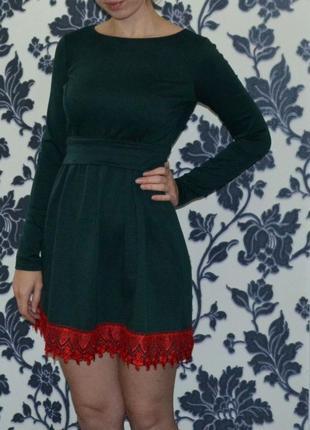 Милое платье с длинным рукавчиком