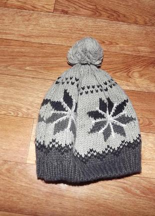 Вязанная теплая шапка