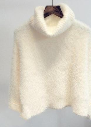 Белый  белоснежка  и айвори  пушистый свитер с хомутом ангора  ангоровый кролик