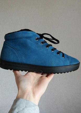 Р.38 ecco (оригинал) 24.5 см. теплые ботинки.