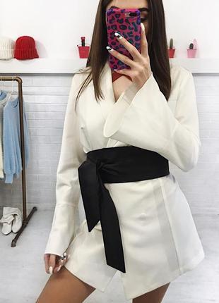 Крутий білий піджак блейзер рукав кльош пиджак белый м
