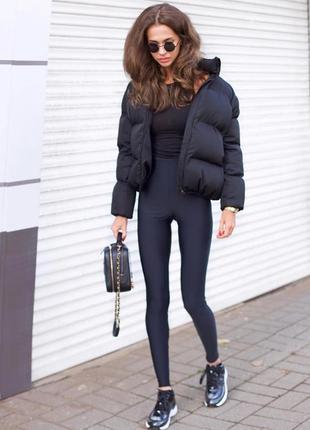 Шикарный трендовый объемный короткий пуховик куртка с карманами черная воротник стойка