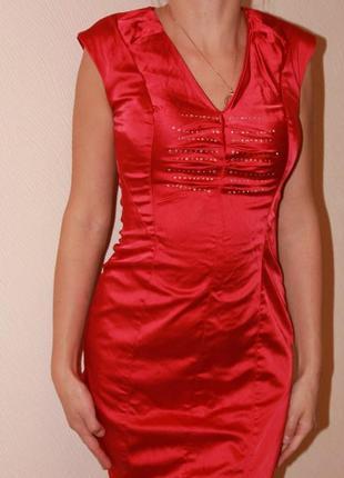 Продам красное шелковое платье