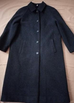 Классическое темно-серое пальто