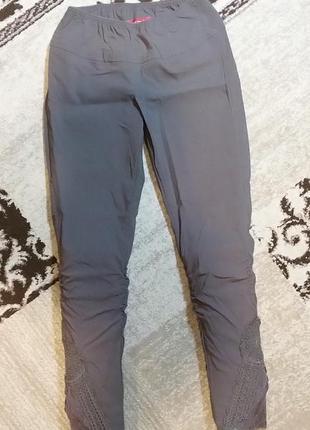 Оригинальные штанишки леггинсы tredy с кружевом на р. м-л
