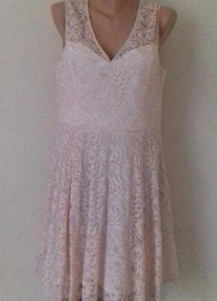Нарядное нежное кружевное платье oasis