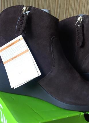 Новые замшевые ботинки crocs w11