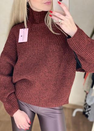 Тёплый свитер грубой вязки