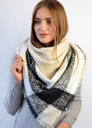 Платок шарф плед в клетку под букле осень-зима бежевый с черным