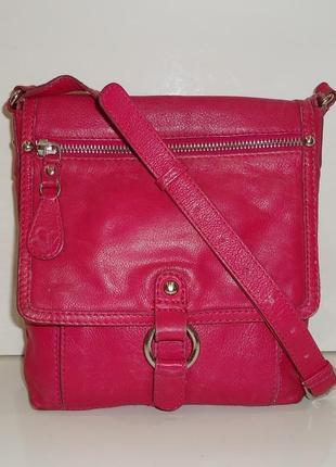 Продам модную брендовую сумочку clarks