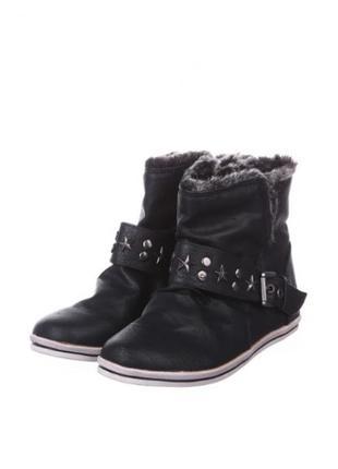 Чёрные ботинки plato в спортивном стиле, с опушкой и кожаной стелькой, размер 40.5
