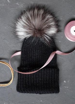 Теплая шапка из альпаки сури с помпоном чернобурка