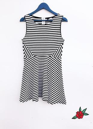 Супер платье в полоску стильное и красивое платье с плотной ткани
