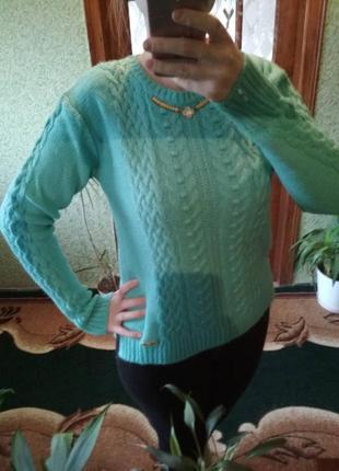Очень тепленький вязаный свитер