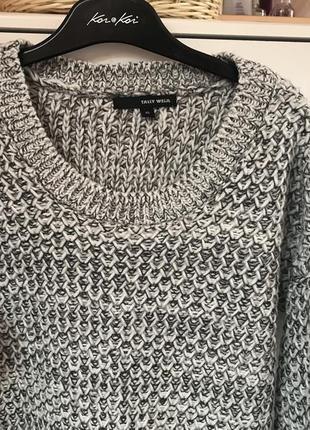 Светр свитер