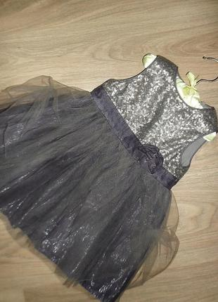 Нарядное стильное платье на 12-18мес