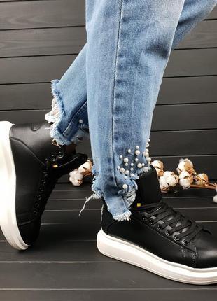 Кроссовки , ботинки зимние