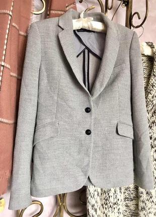 Серый удлененный пиджак zara