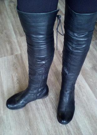 Классные,зимние, кожаные ботфорты, высокие сапоги)на натур.меху на 37 (24 - 24?5 стелька)