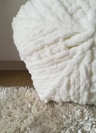Нежная плюшевая подушечка