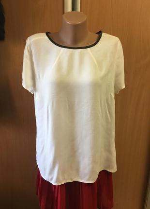 Базовая белая блузочка с кожаной отделкой размер 16