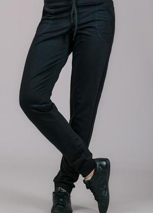 Спортивные штаны брюки трикотажные с карманами, на резинке (манжет)