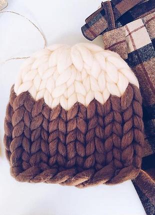 Стильная шапка из шерсти мериноса