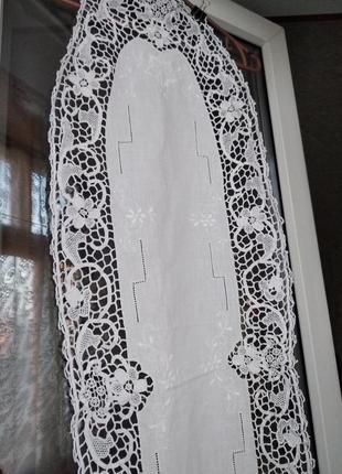 Белая овальная вязаная скатерть,салфетка