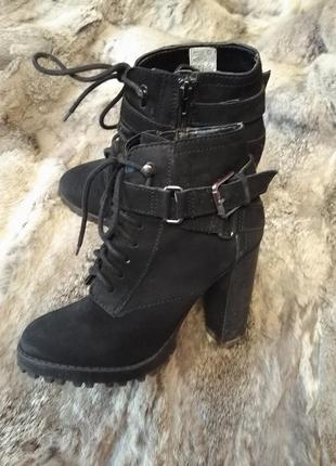 Ботинки,натуральний нубук