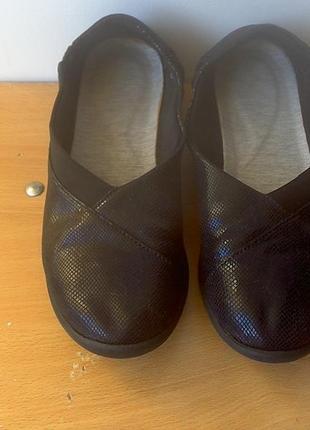 Туфли clarks,  р.39  длина стельки 25,5 см.