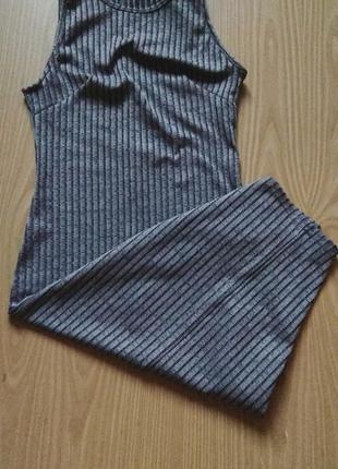 Обтягивающие платье в рубчик
