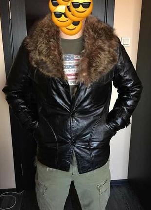 Шикарная мужская кожаная куртка с мехом волка