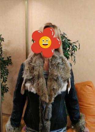 Классная женская кожаная куртка с натуральным мехом волка