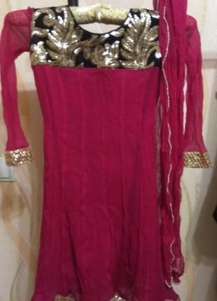 Платье для бальных танцев либо для карнавала