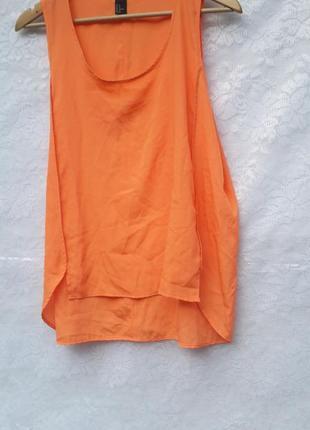 Блуза ярко оранжевого цвета